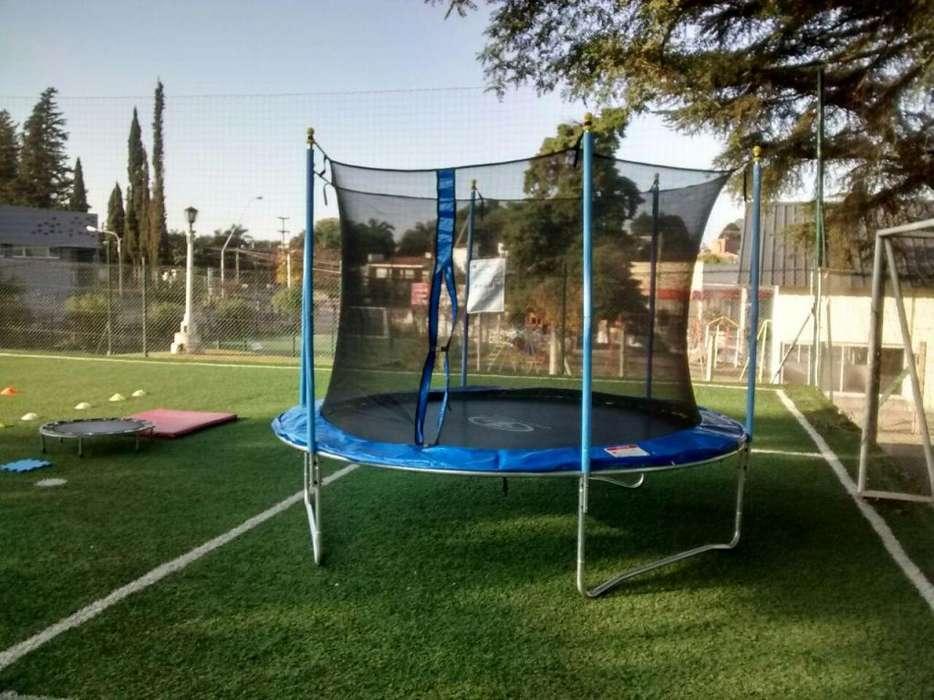 Cama elastica, trampolin con red de proteccion, castillos, toro mecanico, cancha inflable y para enjabonar,
