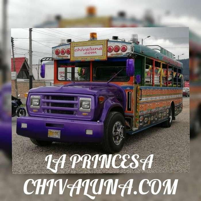 CHIVA RUMBERA TOUR POR BOGOTA-CHIVALUNA