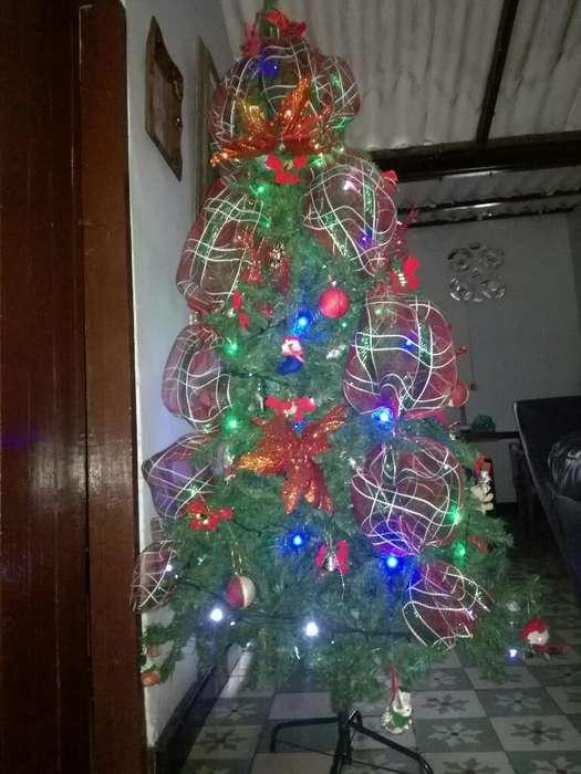 Vendo Arbol Adornado de Navidad