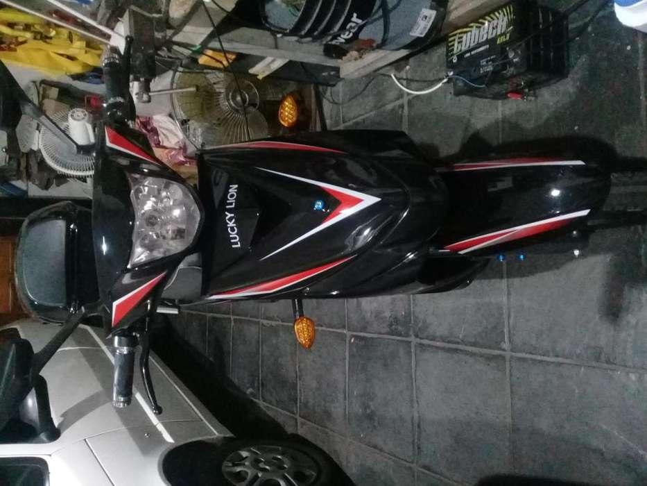 MOTO ELECTRICA LUCKY LION MODELO DINAMIC 800W 8 MESE DE USO SEGURO PAGO POR 6 MESE