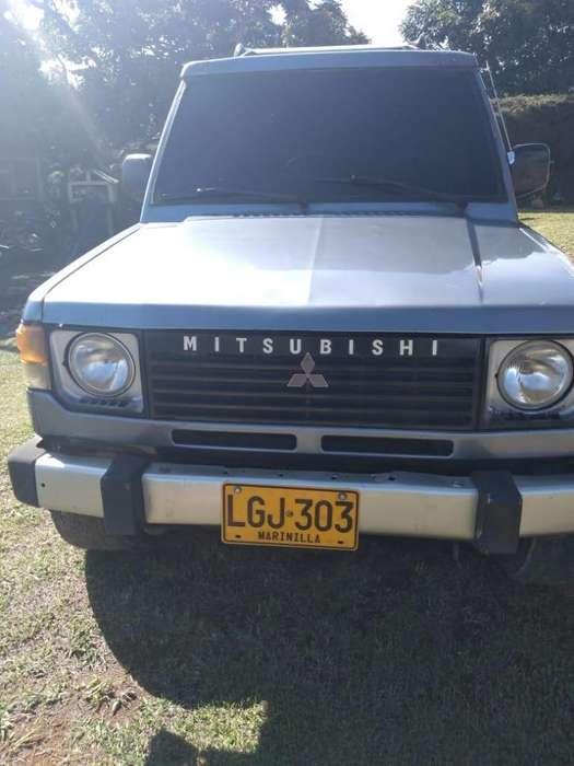 Mitsubishi Montero 1985 - 200000 km