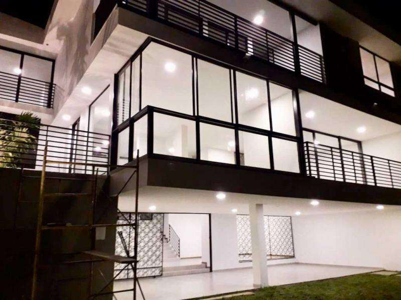 Casa En Venta En Cali Cristales Cod. VBJMI8229