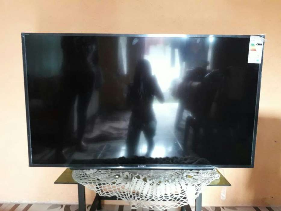Televisor Sony Lc D de 50 Pulgadas