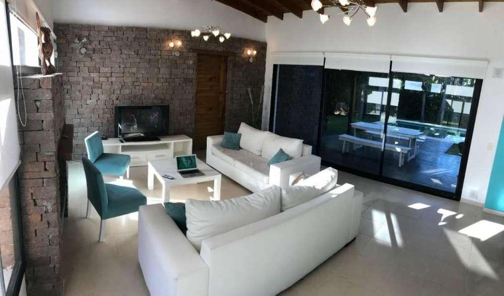 gc46 - Casa para 2 a 10 personas con pileta y cochera en Pinamar