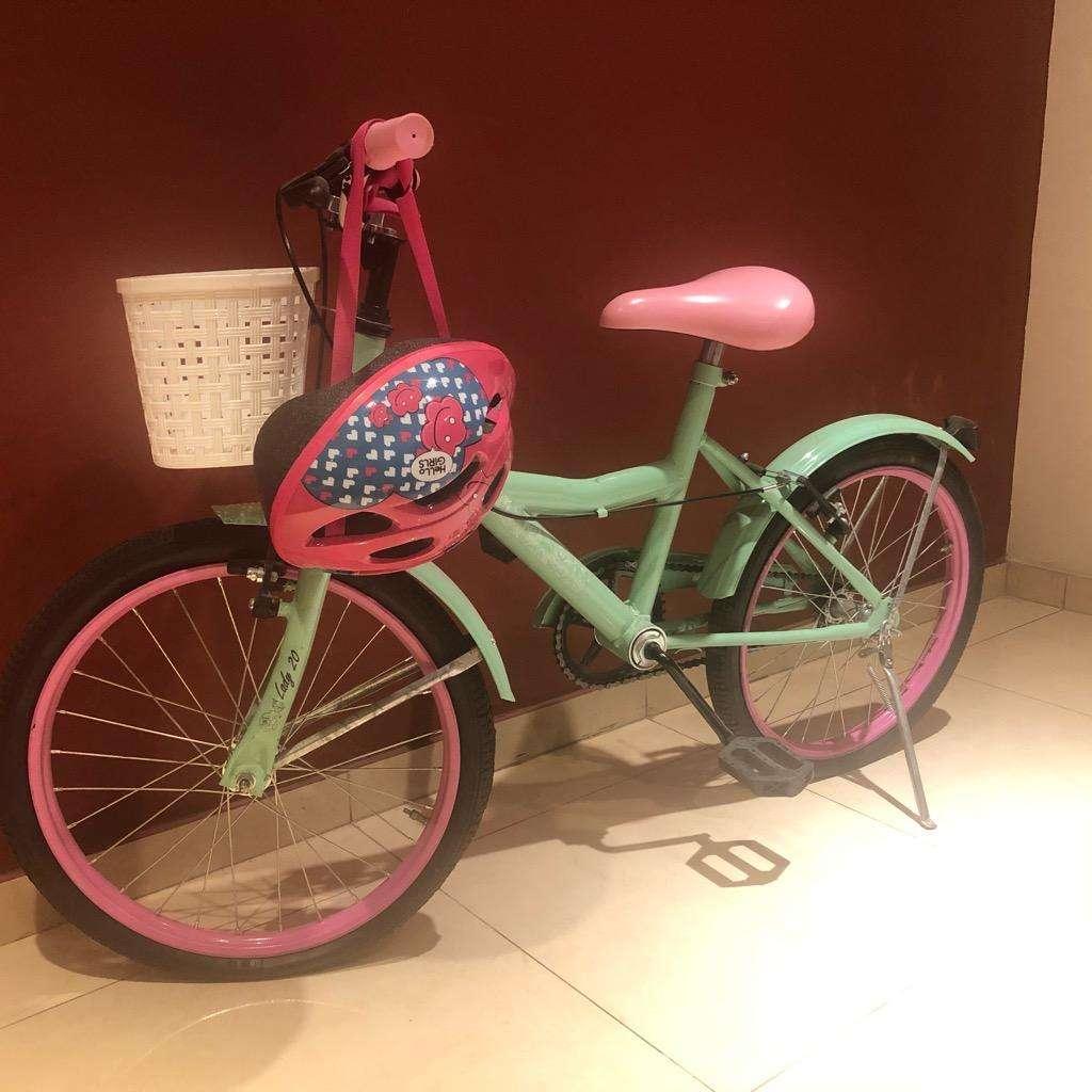 Bicicleta para Nenas con Casco Incluido