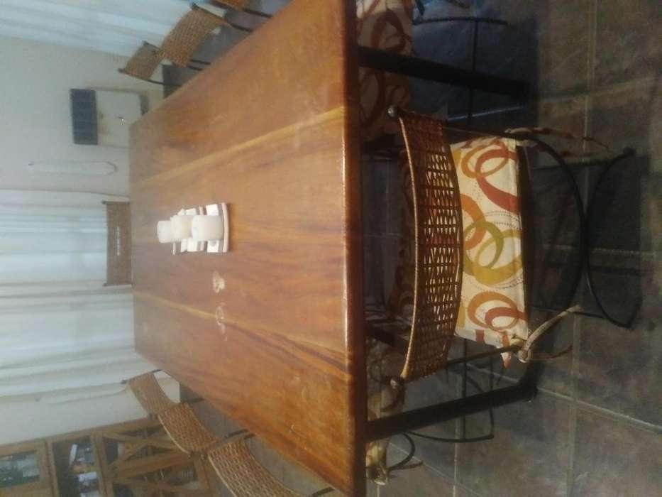 Mesa de hierro y madera Y 8 sillas