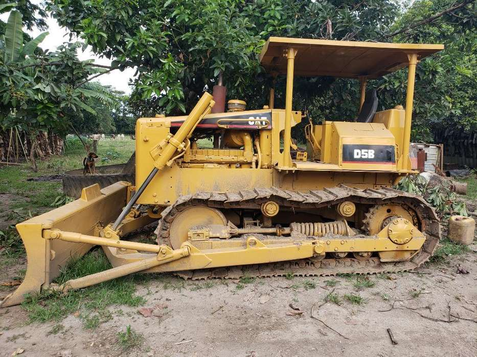 Bulldozer Caterpillar D5b