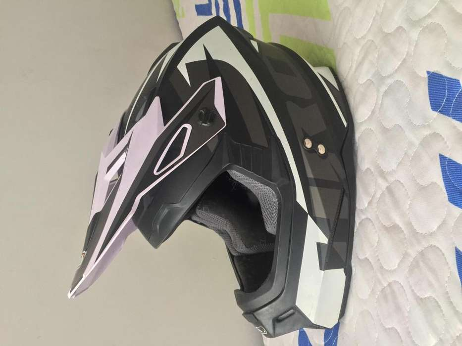 Casco bicicross o moto