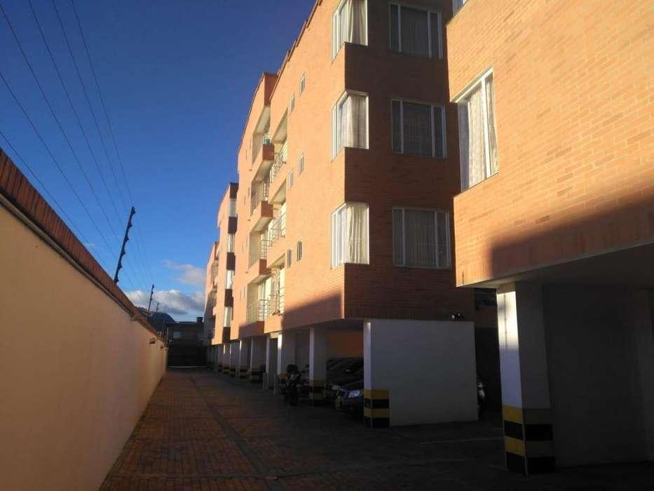 Apartamento en arriendo Cajica, Santa Cruz