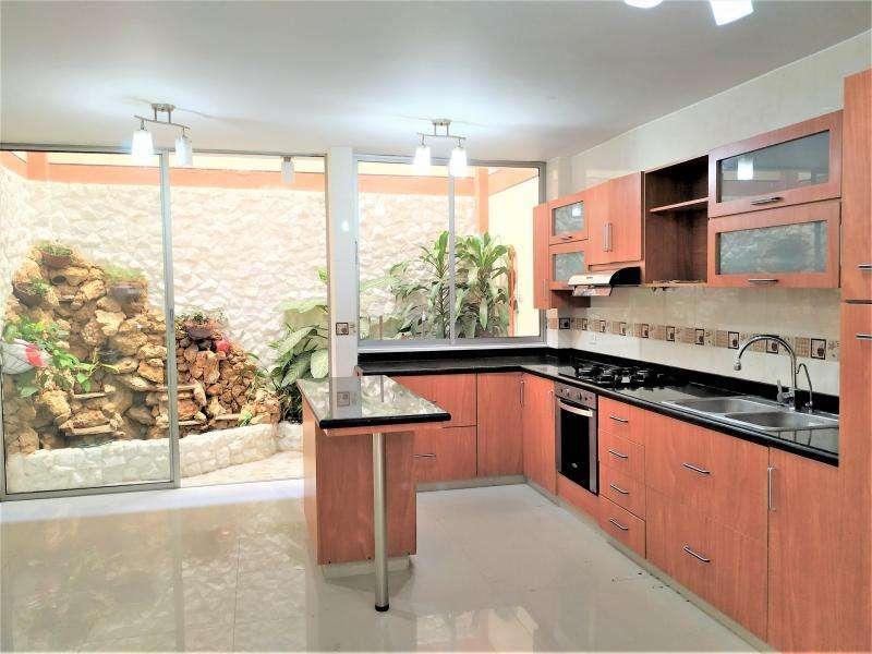 Cod. VBINH-628 Casa En Venta En Cali El Refugio