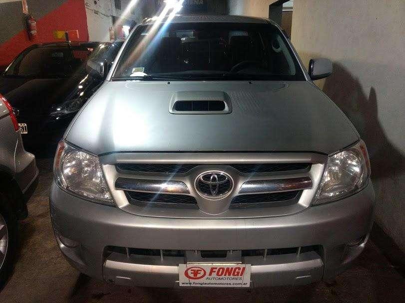 Toyota Hilux 2008 - 226000 km