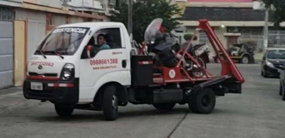 Servicio GruaMoto MotoGrua de Gruas Plataforma autocargable Remolque para moto en Guayaquil Libertad Salinas Playas