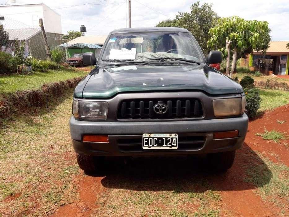 Toyota Hilux 2005 - 32000 km