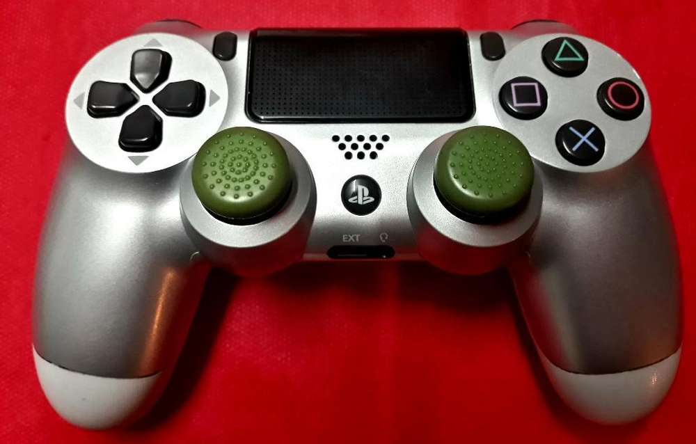 Vendo Mando V2 de Play 4 Impecable