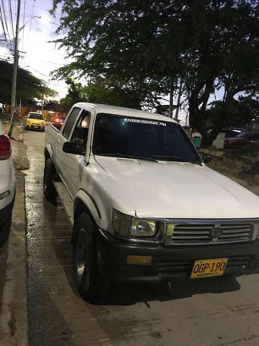 Toyota Hilux 1996 - 0 km