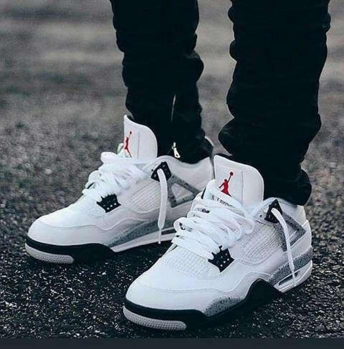 Zapatos Nike Retro Jordan Blancos