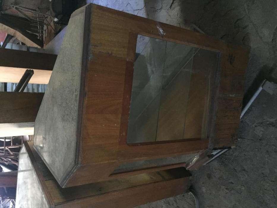 Mostradores esquineros con mesada de marmo