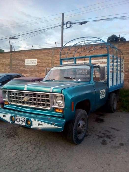 Chevrolet Silverado 1981 - 200000 km