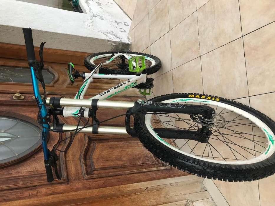 <strong>bicicleta</strong> de montaa