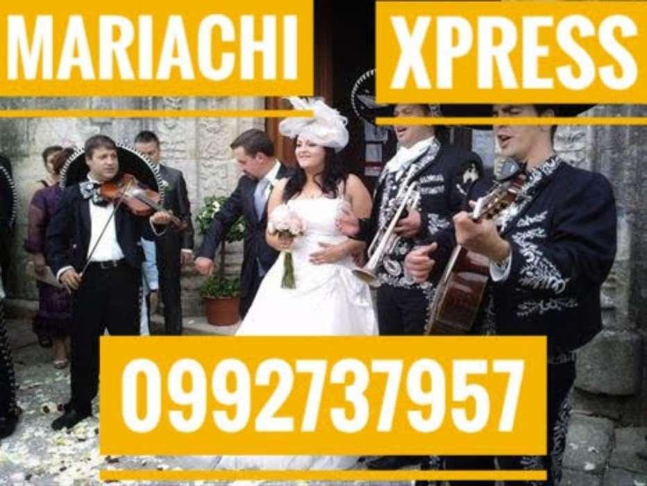 por Siempre Tu Mariachi en Quito
