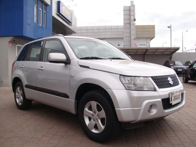 SUZUKI GRAND VITARA SZ 2011 FLAMANTE
