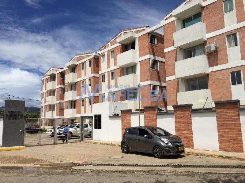 Apartamento En Arriendo En Los Patios Vía La Floresta Cod. ABMAR-2521