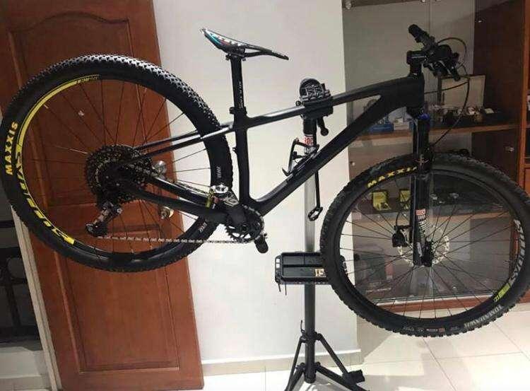 Bicicleta en carbono