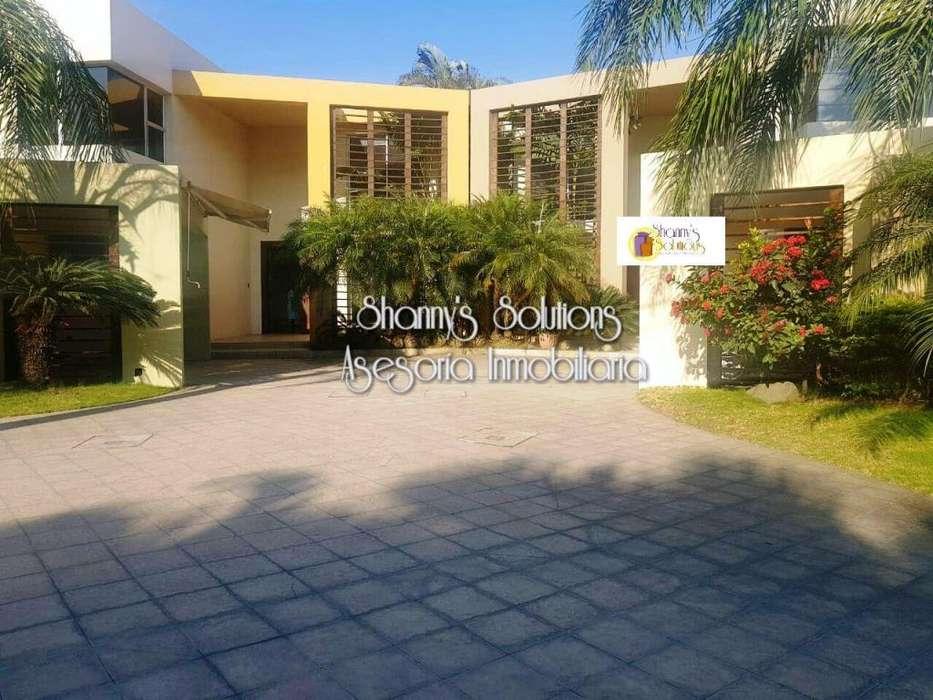Alquiler de Casa <strong>duplex</strong> en Ceibos en Urb. Privada, cerca de la Piazza, Norte de Guayaquil