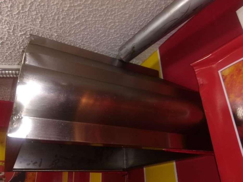 <strong>campana</strong> Extractora con Ducto de Desfogue