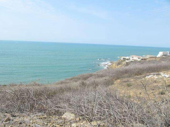 Venta terreno en loma frente al mar en Playas Villamil, sector Ocean Club