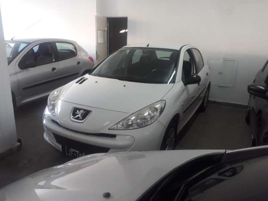 Peugeot 207 Compact 2012 - 105000 km