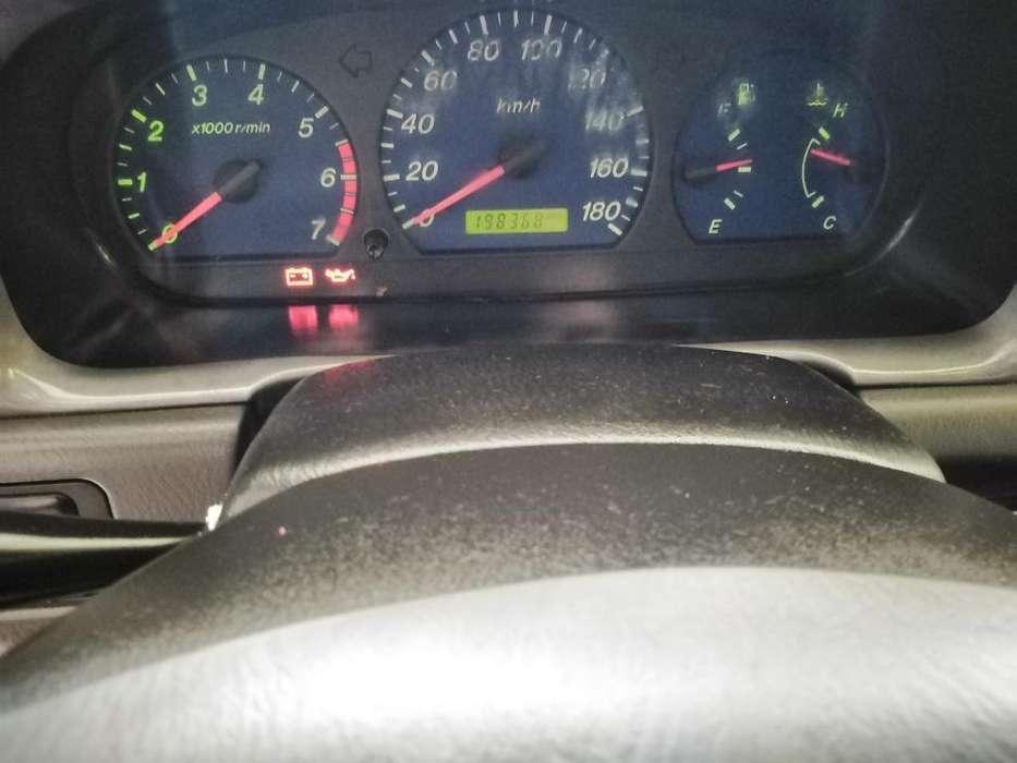 Mazda B-2600 2004 - 198368 km