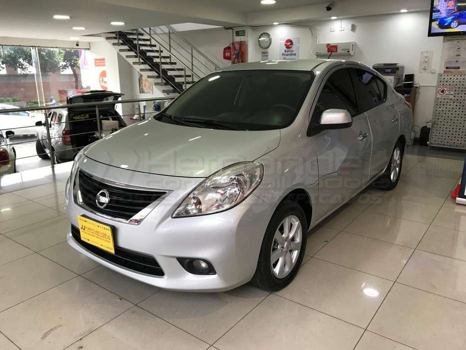 Nissan Versa 2013 - 72900 km