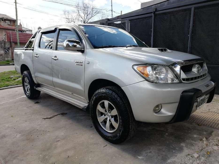 Toyota Hilux 2006 - 175000 km