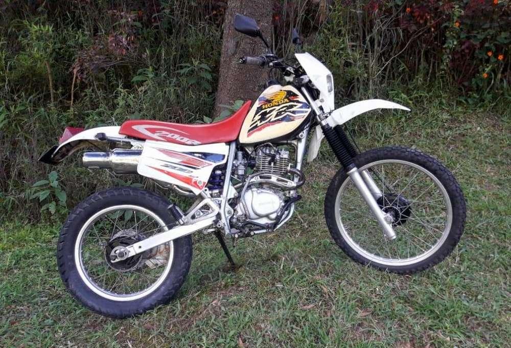 Moto Honda XR 200R