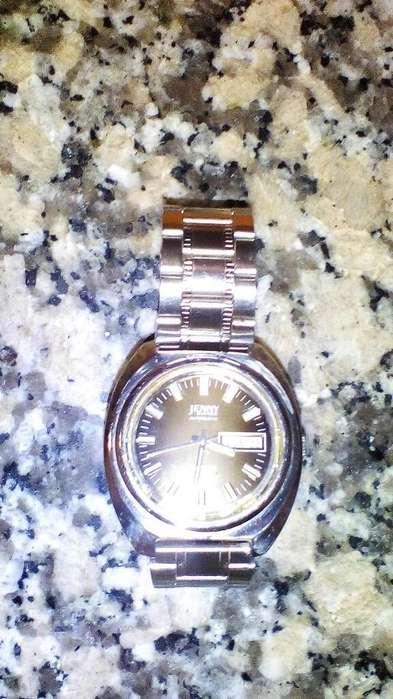 Vendo Reloj Jenny Suizo