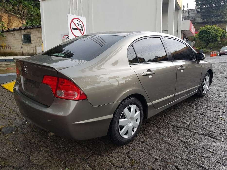 Honda Civic 2008 - 85000 km