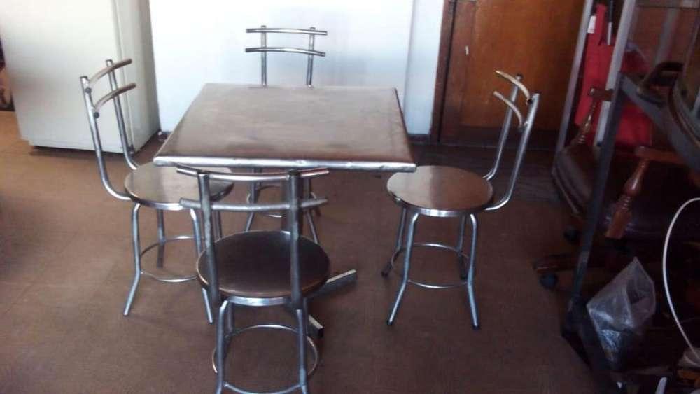 MESA Y <strong>silla</strong>S , buen valor, urge vender!!