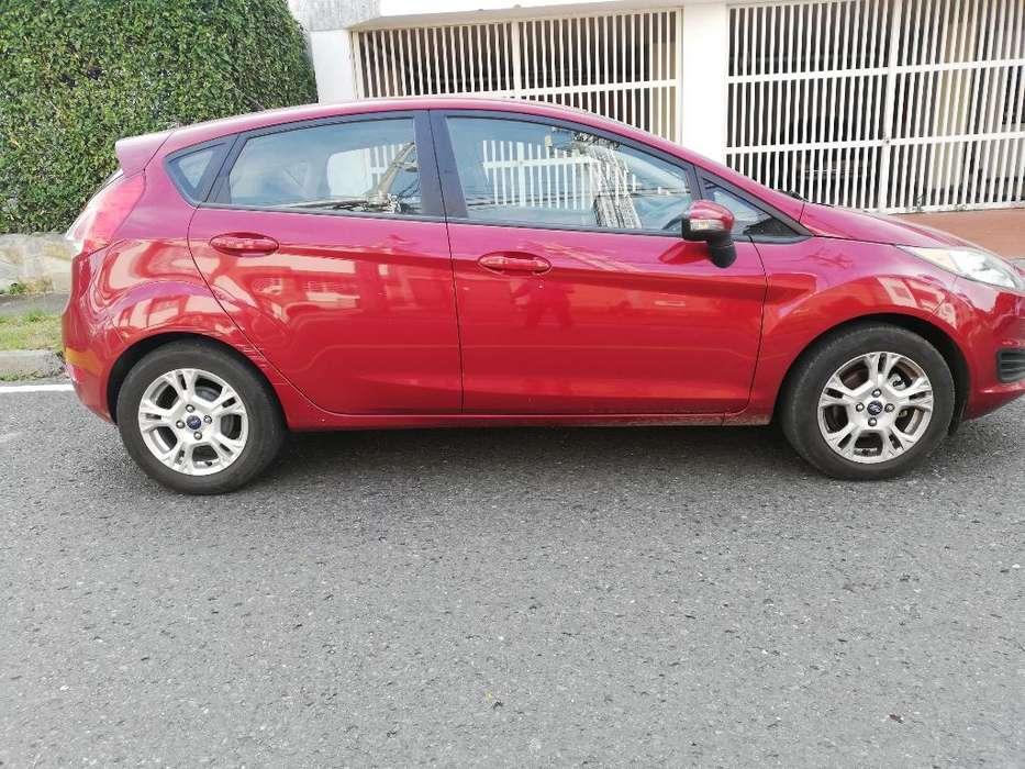 Ford Fiesta  2014 - 48000 km