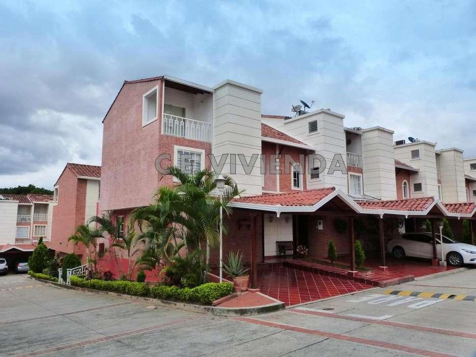 Casa esquinera vendo en Versalles – Floridablanca – Santander