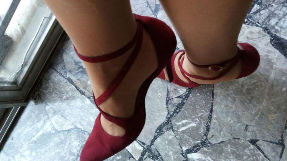 Stilettos de Gamuza 38 con Pulsera