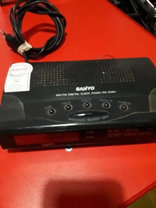 Radio Despertador Sanyo