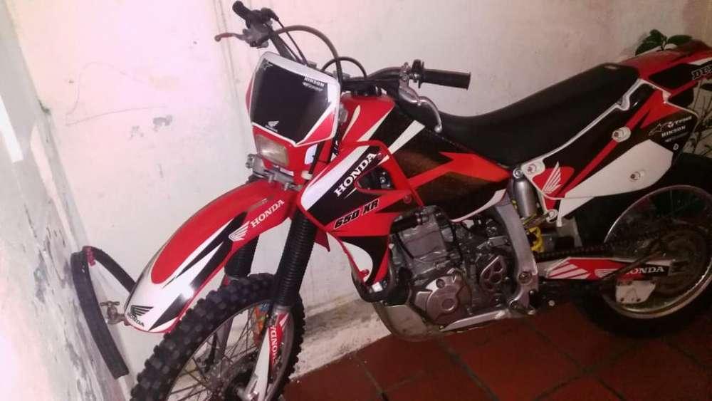 Vendo <strong>honda</strong> Xr 650 Año 2002 Flamante