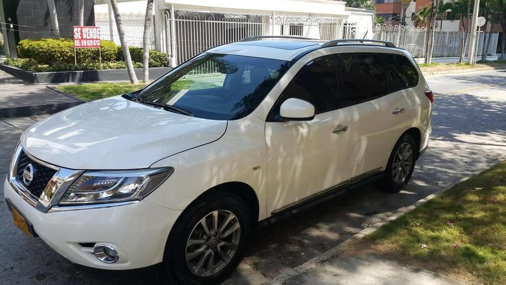 Nissan Pathfinder 2015 - 62000 km