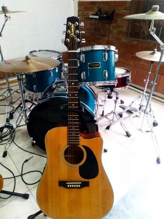 Guitarra Electroacustica JASMINE By Takamine ES33C