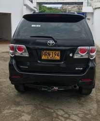Toyota Fortuner 2.7 Urbana 4X2