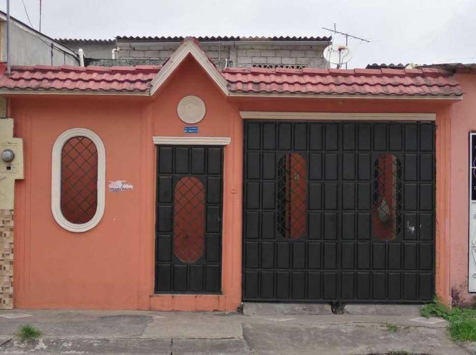 Venta Casa Ciudadela Las Orquideas, Cerca de Mucho Lote, Villa España, 2 Colegios, Comisariato, Tia, Norte Guayaquil.