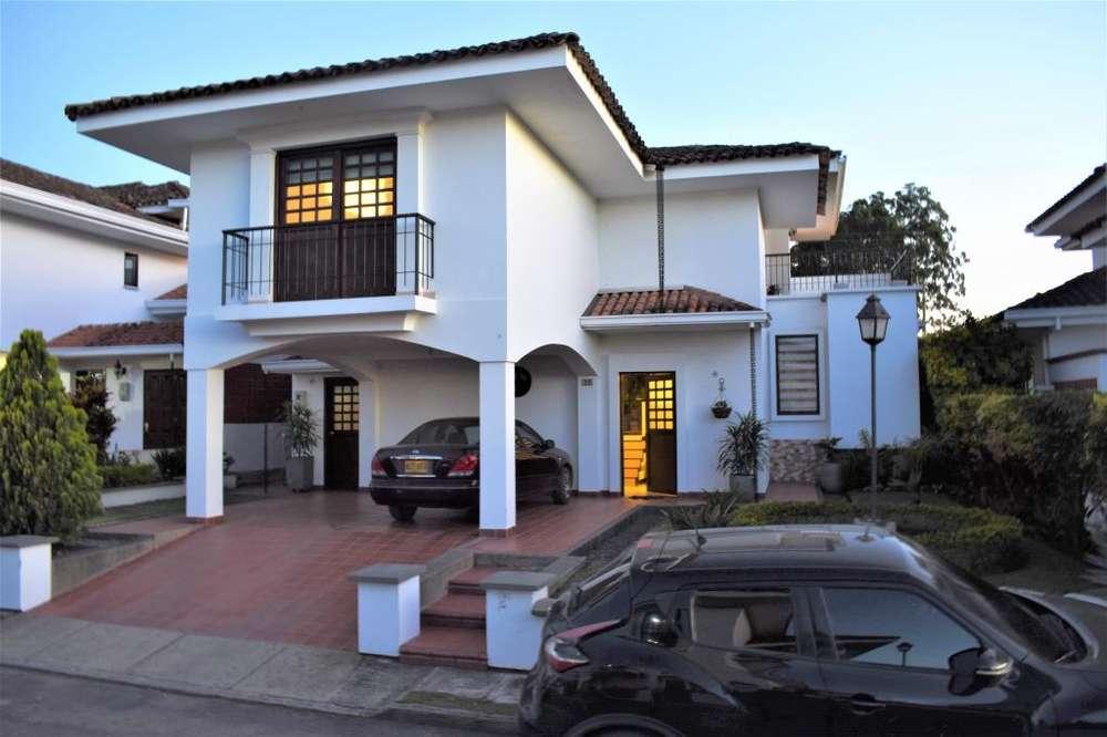 Hermosa Casa en San Fernando Campestre