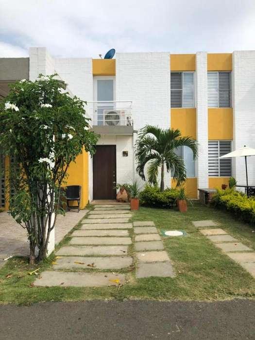 Casa Condominio En Venta En Jamundi El Castillo Cod. VBSUM461227