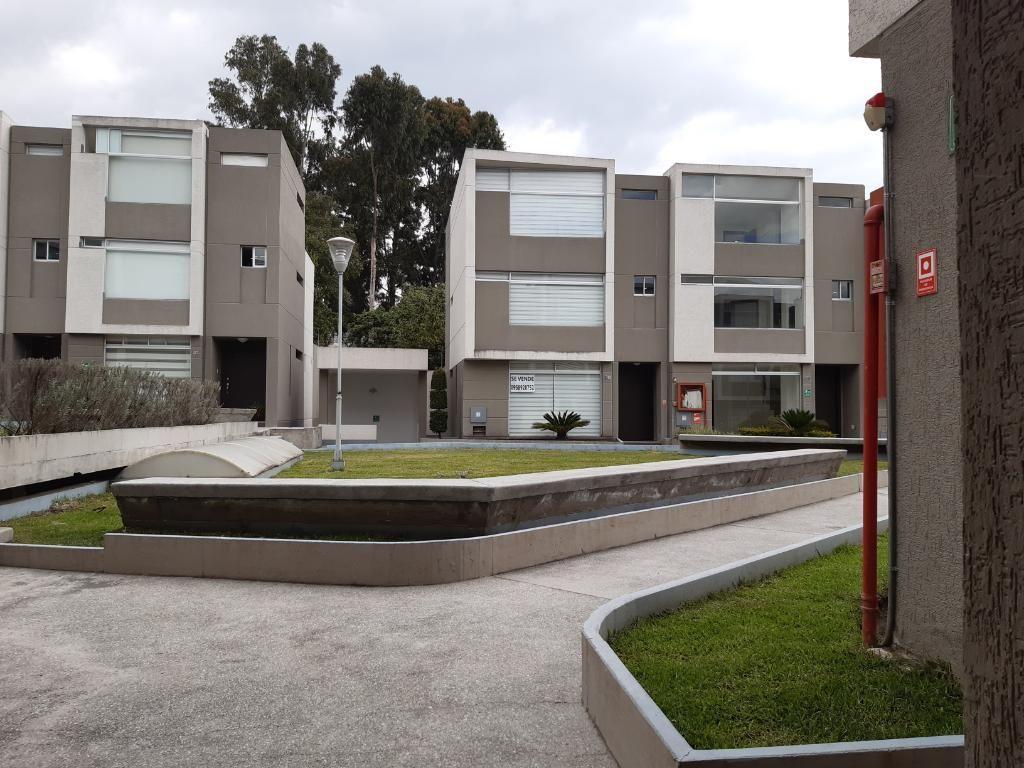 Venta Casa Tumbaco, Ruta Viva, El Hornero,